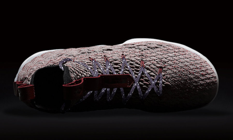 Nike LeBron 15 Red Flyknit 897649-201