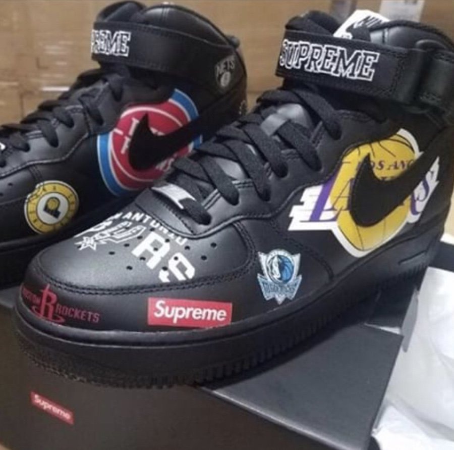 Supreme Nike Air Force 1 Mid Black