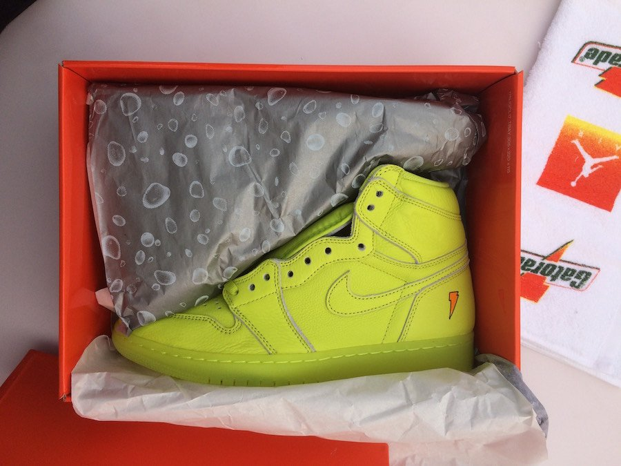 7b233dbaf51e Air Jordan 1 Gatorade Lemon Lime Cyber AJ5997-345