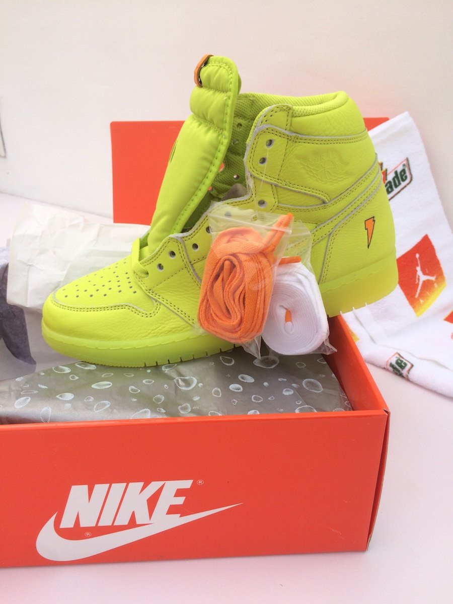 7abca5012b9339 Air Jordan 1 Gatorade Lemon Lime Cyber AJ5997-345