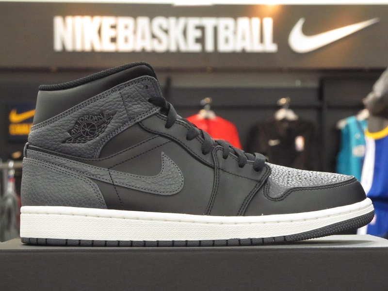 Air Jordan 1 Mid Tumbled Leather 554724-041