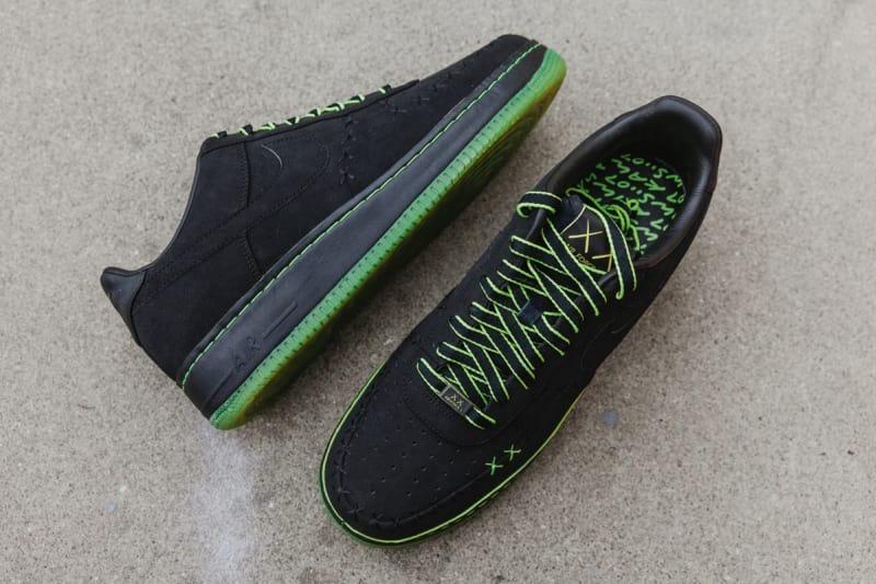 KAWS Nike Air Force 1