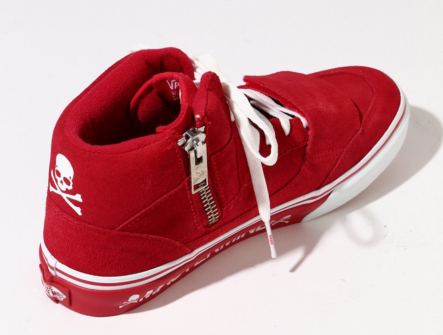 05bacb5315 mastermind Japan Vans Mountain Edition Red