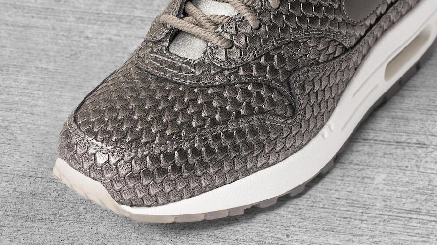 Nike Air Max 1 Ultra 2.0 Metallic Anaconda Silver