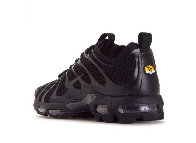 nike air max plus tn ultra triple black 898015 005. Black Bedroom Furniture Sets. Home Design Ideas