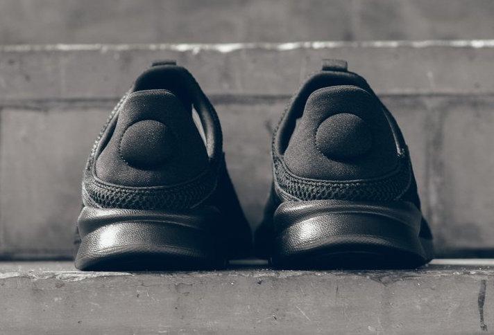 Nike Benassi SLP Triple Black 882410-003
