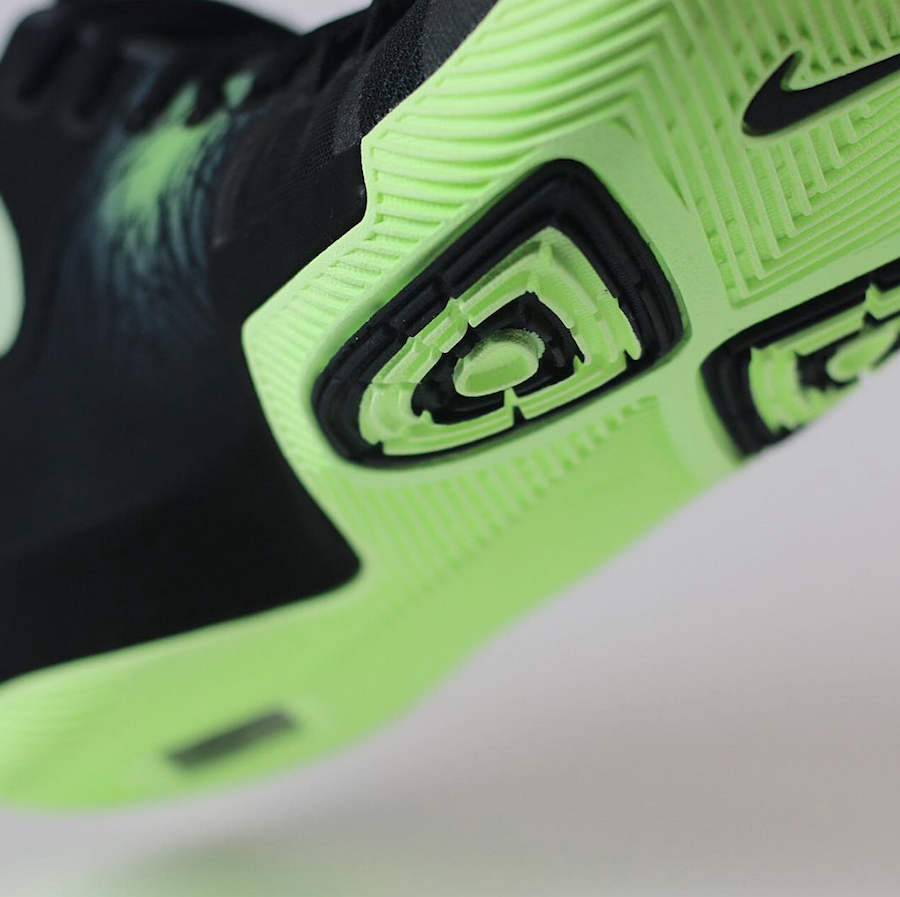 Nike Kyrie 3 Fear PE
