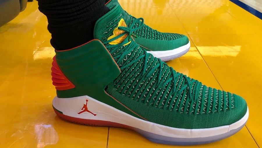 Air Jordan 32 Christmas
