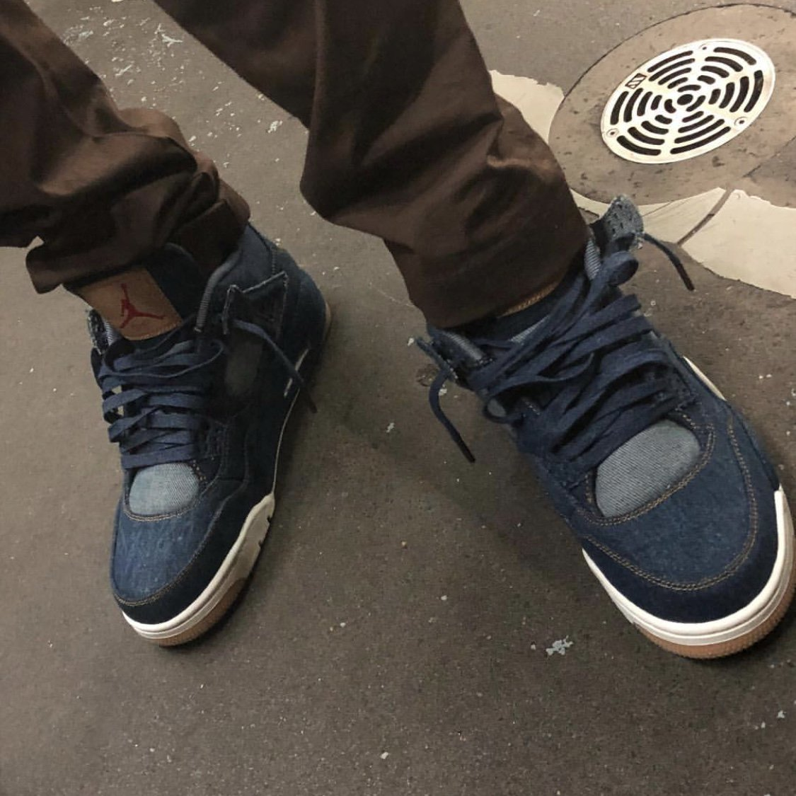 Levis Air Jordan 4 Denim AO2571-401