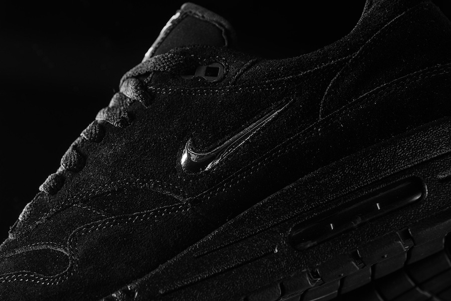 air max 1 jewel black chrome