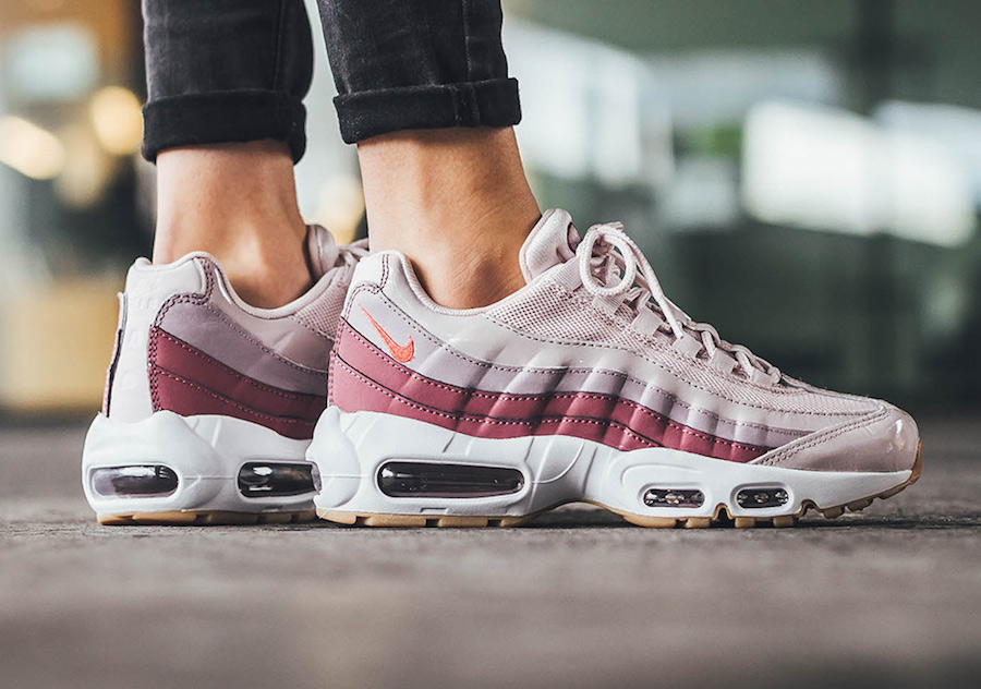 Nike Air Max 95 Barely Rose Hot Punch 307960-603