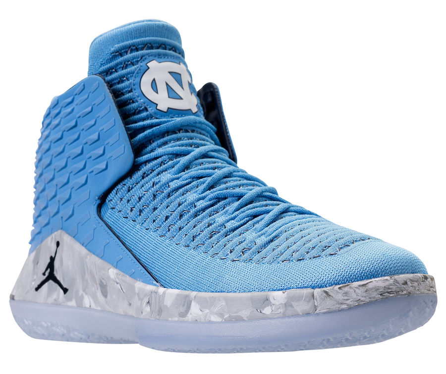 Air Jordan 32 UNC March Madness AA1253-406