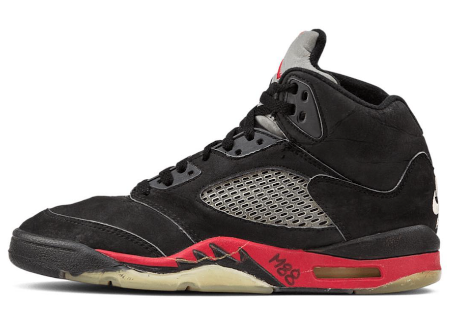 cheap for discount 338ad bef08 Air Jordan 5 Bred 2018