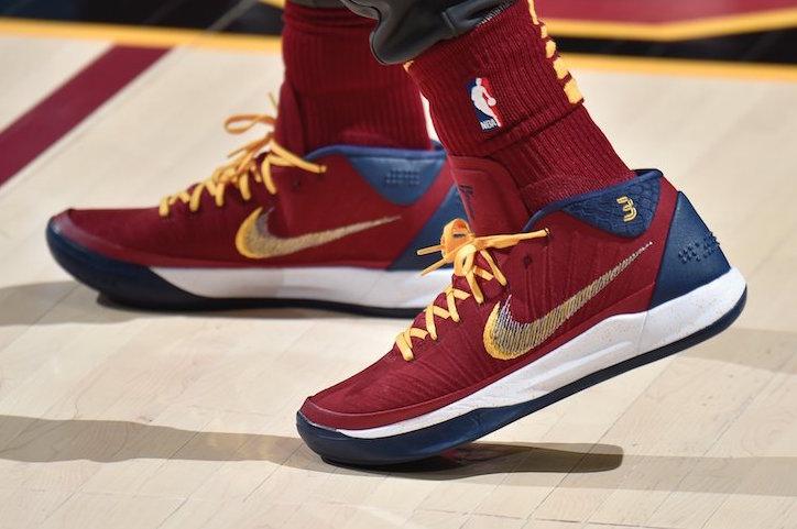 Isaiah Thomas Nike Kobe AD Cavs PE