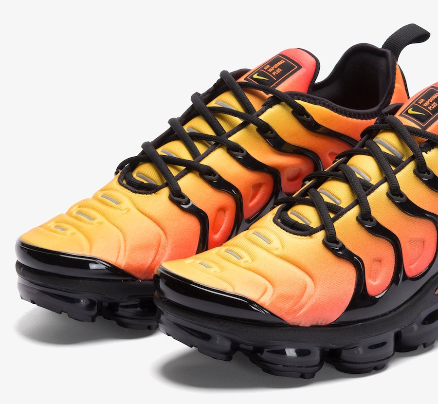 b4a86b5e403 Nike VaporMax Plus Sunset Black Total Orange