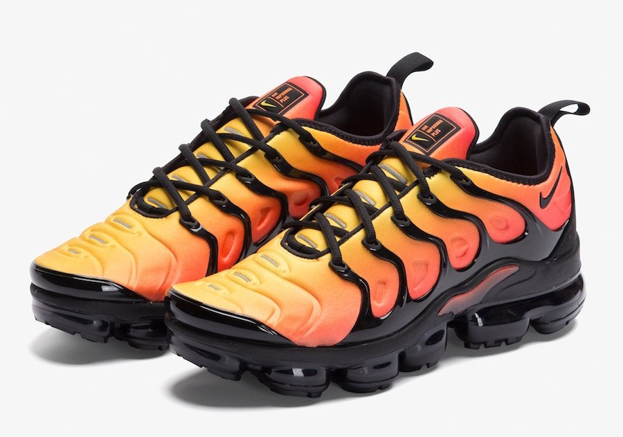 2db463d52a7 Nike VaporMax Plus Sunset Black Total Orange