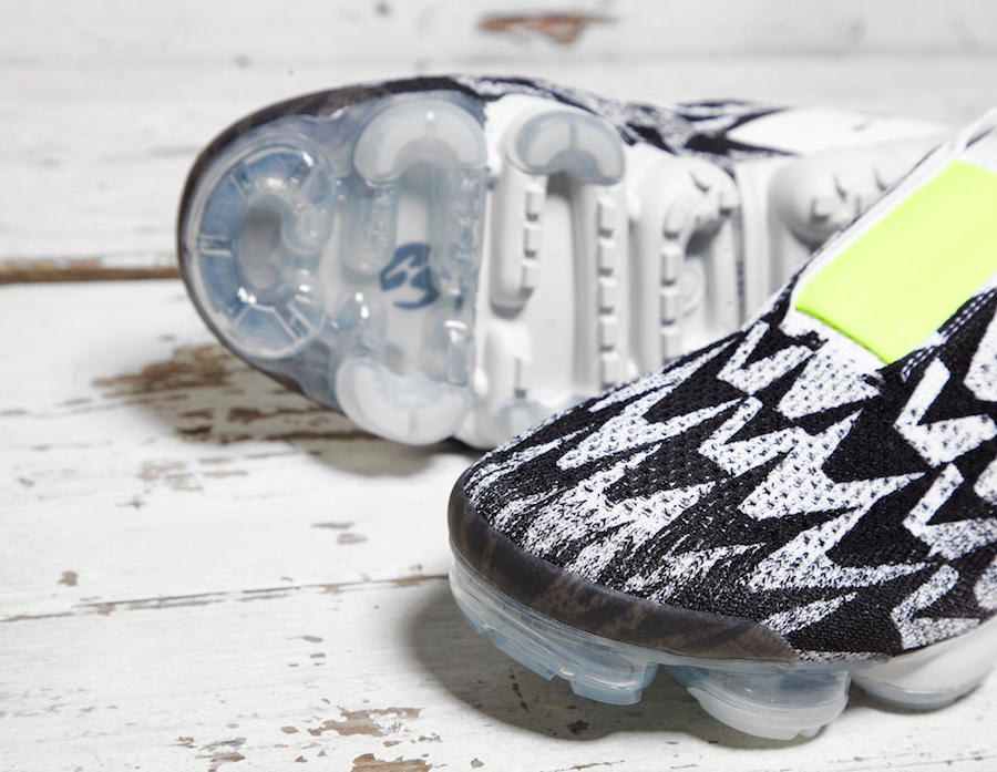 Acronym Nike VaporMax Moc Black White Volt