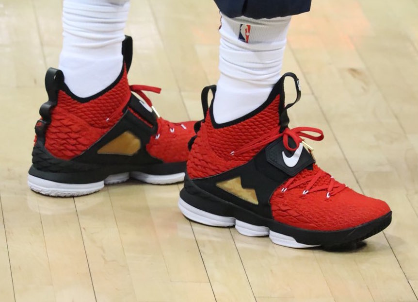 Alternate Diamond Turf Nike LeBron 15