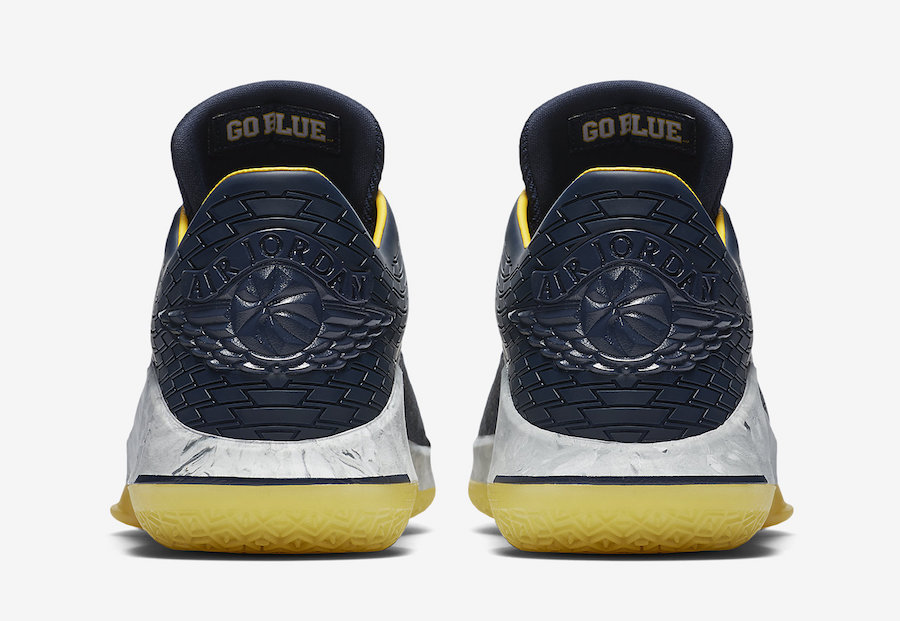 Michigan Jordan 32 Low AA1256-405