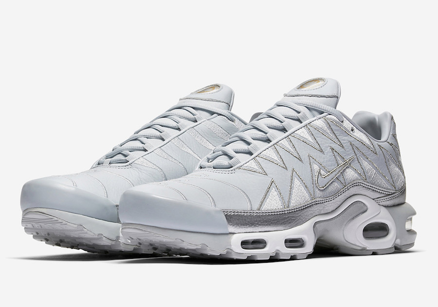 Nike Air Max Plus Gris Et Blanc Chevron
