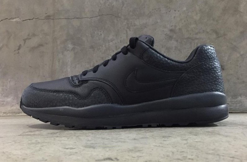 Nike Air Safari 2018 Retro Black