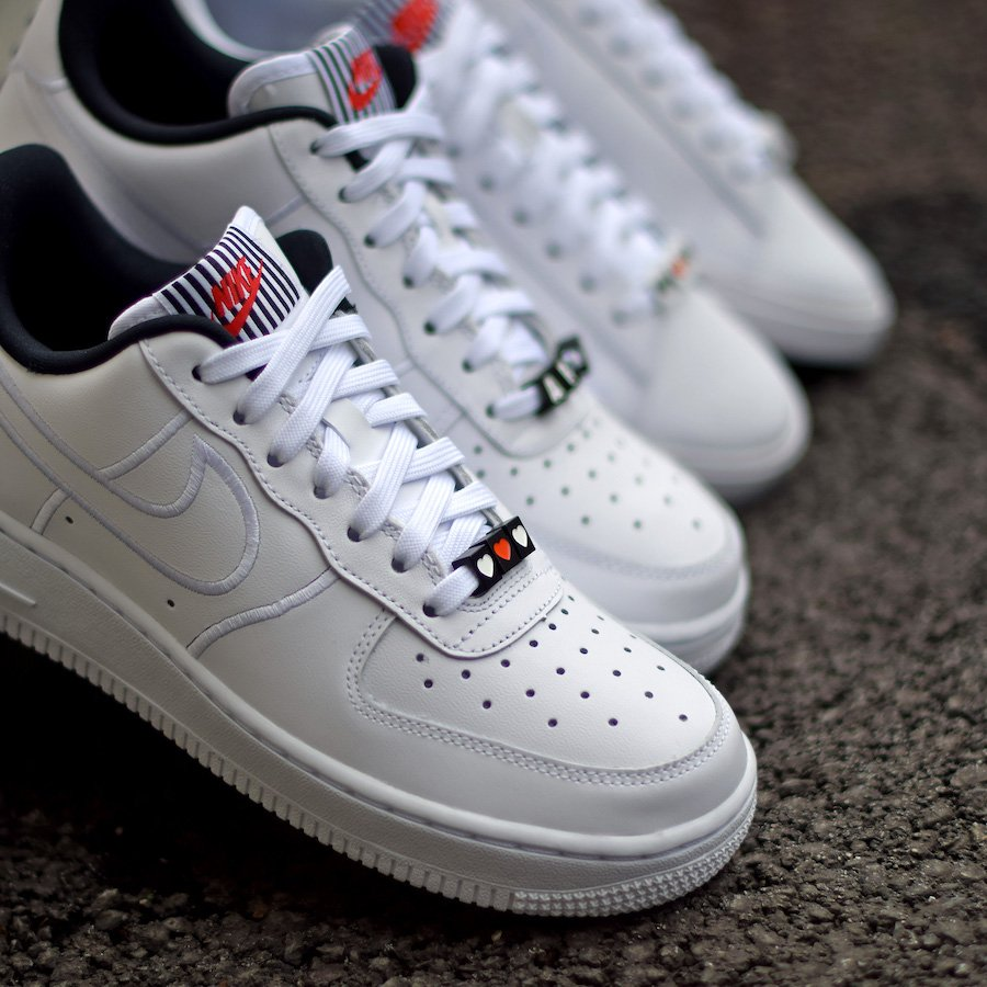 Nike Valentines Day Pack Air Force 1 Low Blazer Low Broken Heart