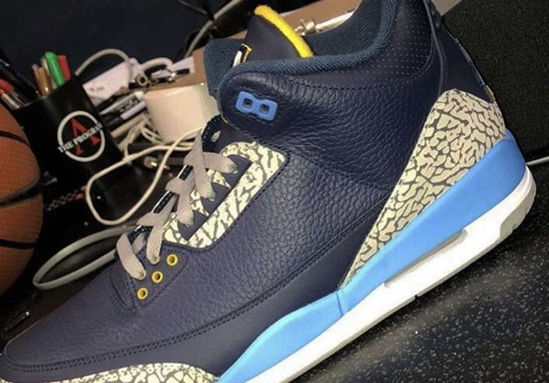 Air Jordan 3 Marquette PE March Madness