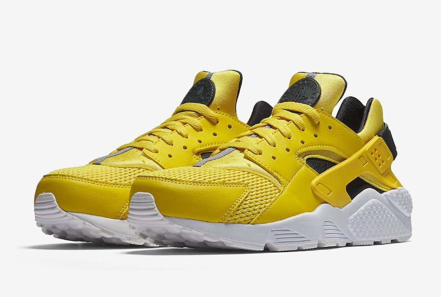 online store 9118d 8f92e huarache le black and yellow NIKE AIR TECH CHALLENGE HUARACHE OG WHITE