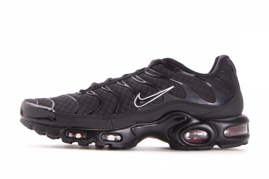 Nike Air Max Plus Black Metallic Silver 852630-015