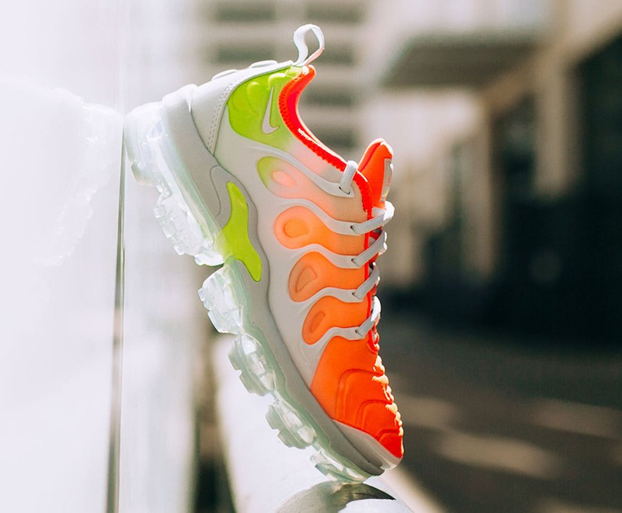 Nike Air VaporMax Plus Reverse Sunset AO4550-003
