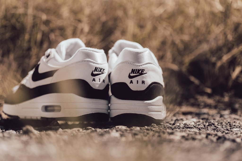 Nike Air Max 1 White Black Nike Air Max 1 White Black 319986-109