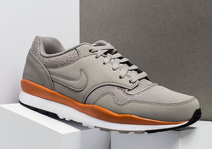 Nike Air Safari Cobblestone 371740-007