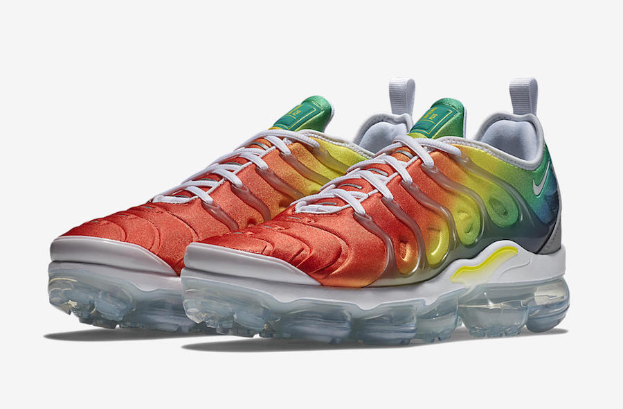 Nike Air VaporMax Plus Rainbow 924453-103