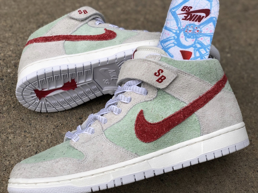 Nike SB Dunk Mid White Widow 4/20 Release Date