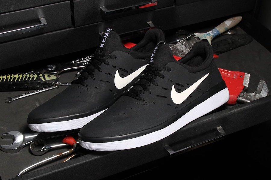 separation shoes d0d81 23040 Nike SB Nyhah Free Black White AA4272-001