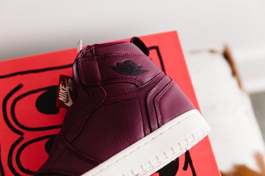 Air Jordan 1 High Zip Bordeaux AT0575-600
