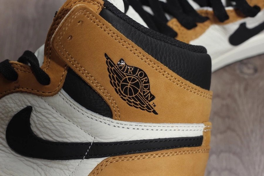 Air Jordan 1 ROY Rookie of the Year 555088-700