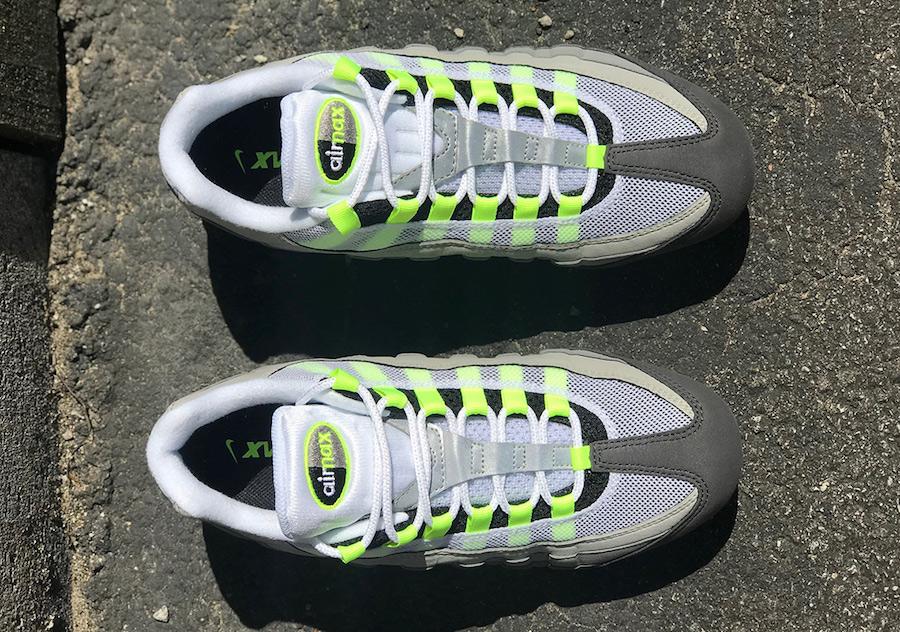 Nike Air VaporMax Neon AJ7292-001