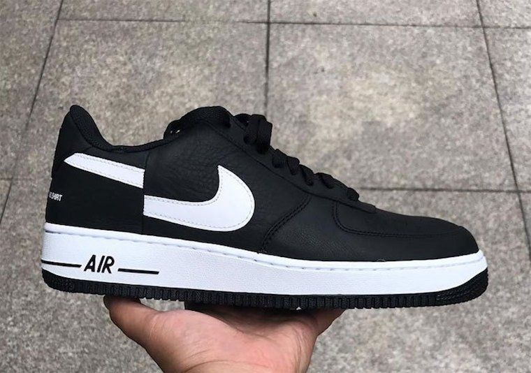 Adoración valor maestría  Supreme Comme des Garcons Nike Air Force 1 Low Black 2018 | SneakerFiles