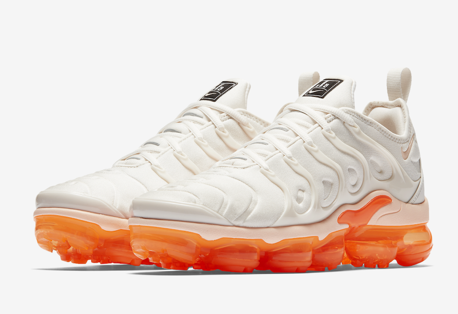 premium selection 6b20a 58a55 Nike Air VaporMax Plus White Orange AO4550-005