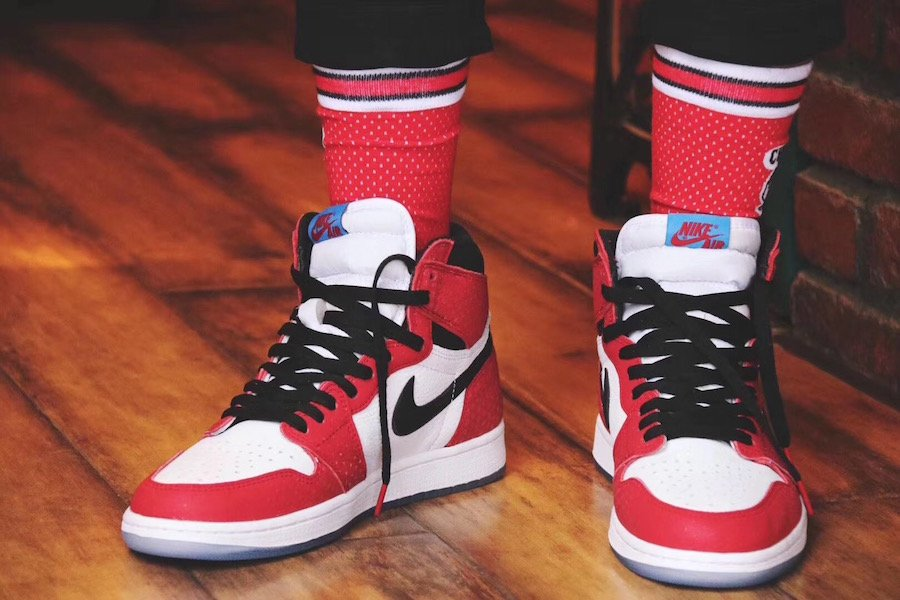 Air Jordan 1 Chicago Crystal 555088-602