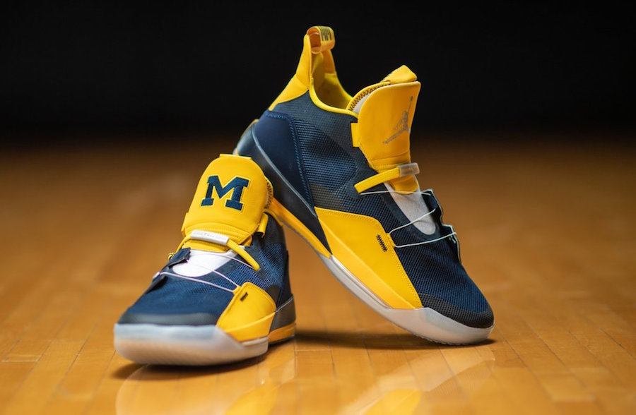 Air Jordan 33 Michigan Maize Blue PE