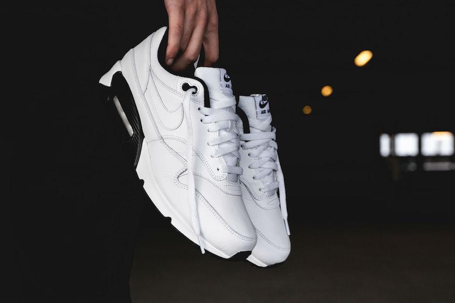 hot sales fe5bd 4d171 Nike Air Max 90/1 White Black AJ7695-106 | SneakerFiles