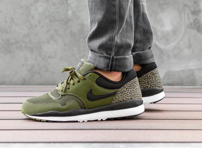 Nike Air Safari Olive Canvas 371740-304