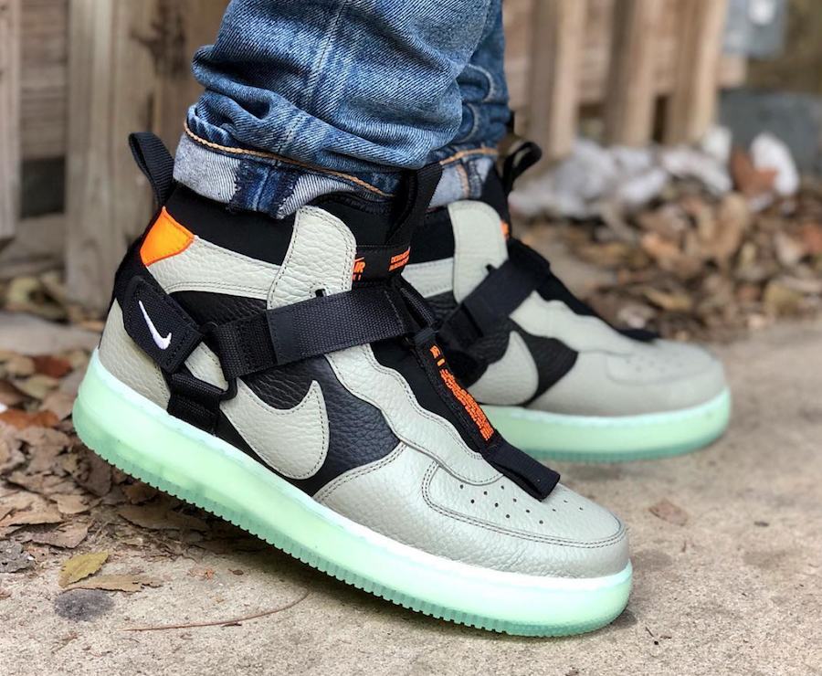 separation shoes f64f5 f80a2 Nike Air Force 1 Mid Utility Spruce Fog AQ9758-300 Release Date