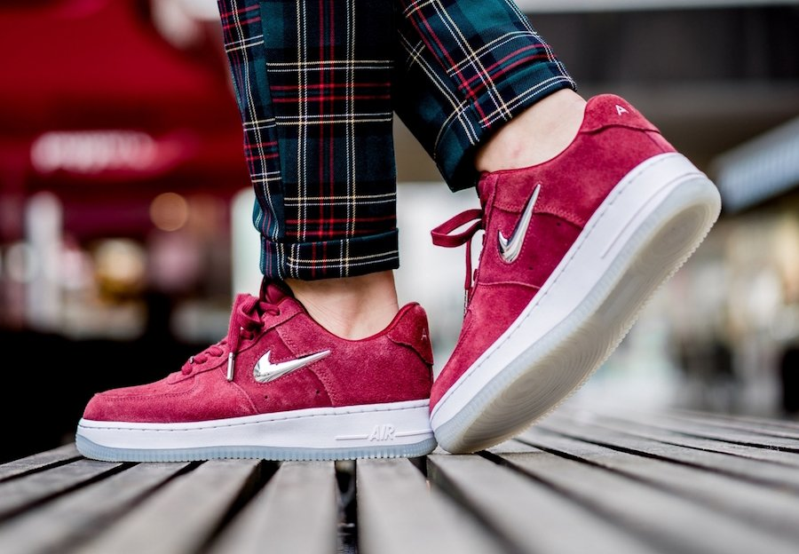 Nike Air Force 1 Premium Team Red