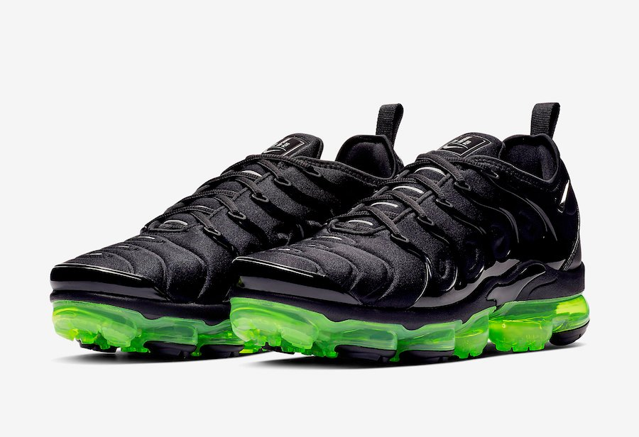 Nike Air VaporMax Plus Black Volt 924453-015 Release Date