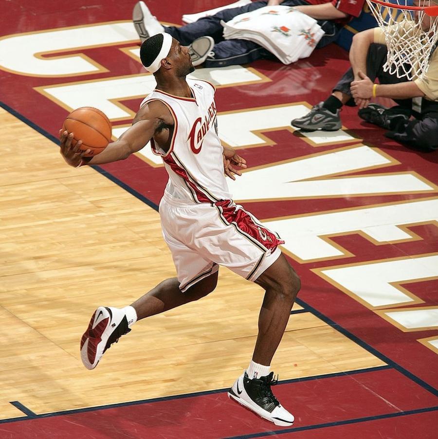 LeBron James Nike LeBron 3 OG Home