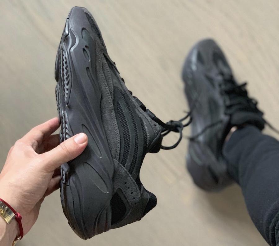 adidas Yeezy Boost 700 V2 Vanta FU6684 Release Info