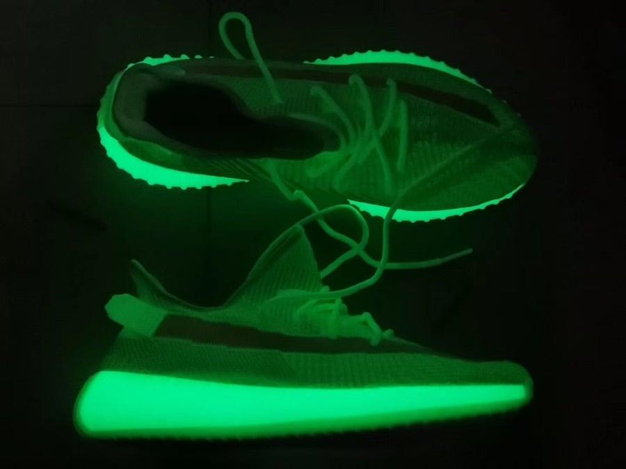 ff273cf3d79e7 adidas Yeezy Boost 350 V2 Glow in the Dark EG5293 Release Date ...